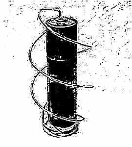 Моторчик из проволоки, батарейки и магнита